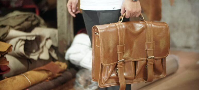 10 Best Bags For Teachers [Reviewed: 2021]