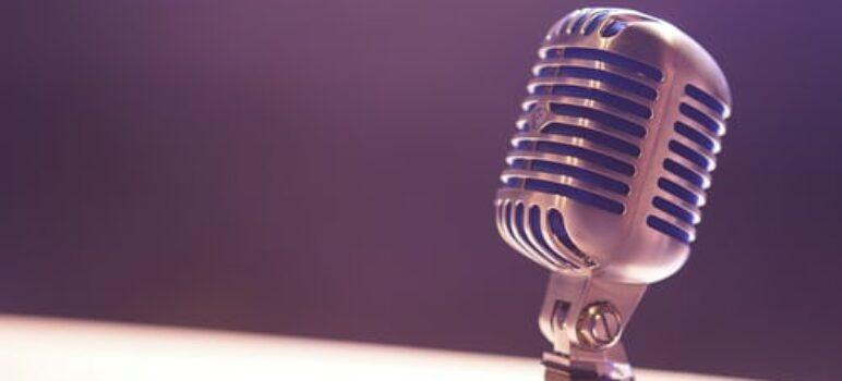 23 Best Microphones for Online Teaching [Reviewed: 2021]