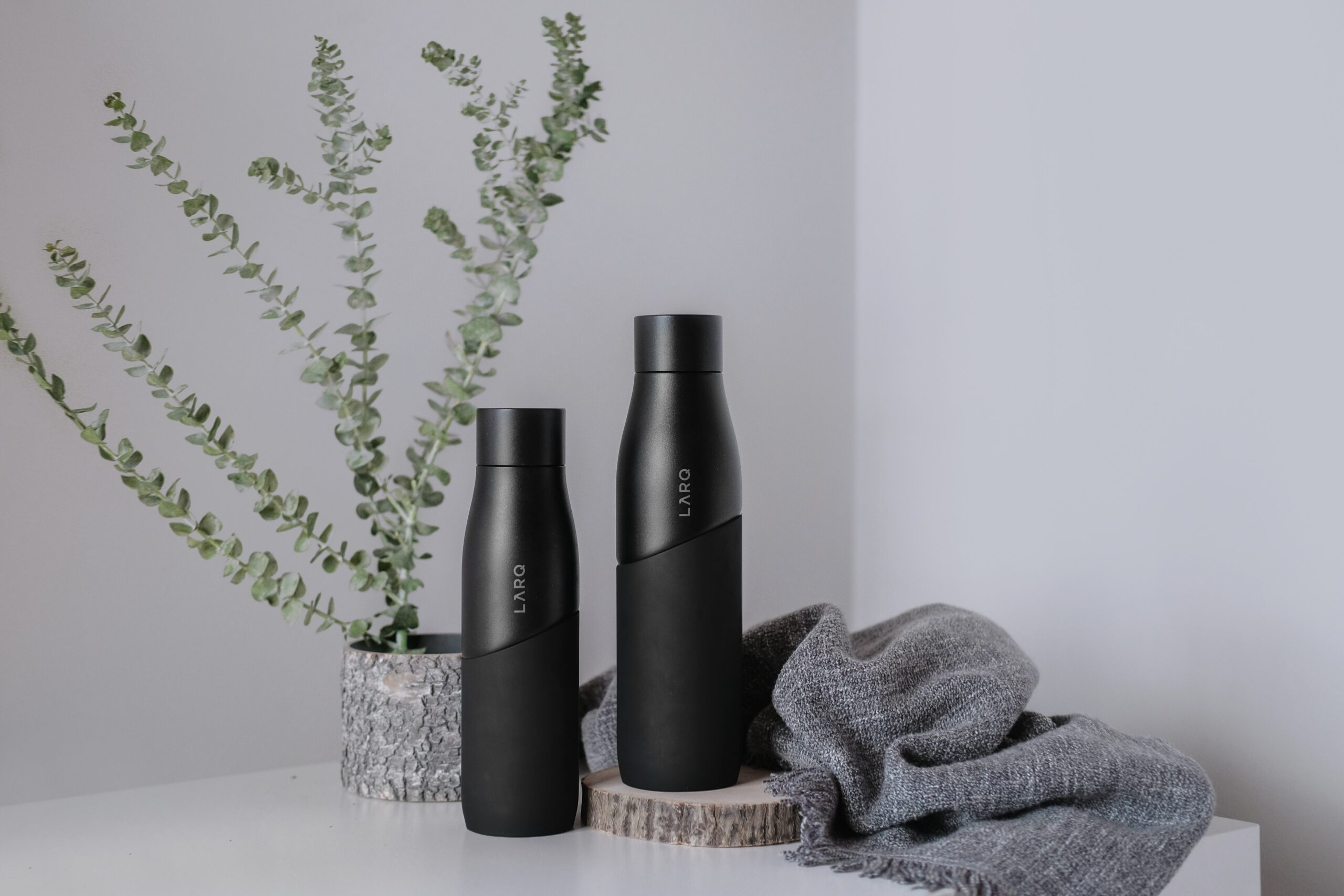 what features should I look for when buying a water bottle