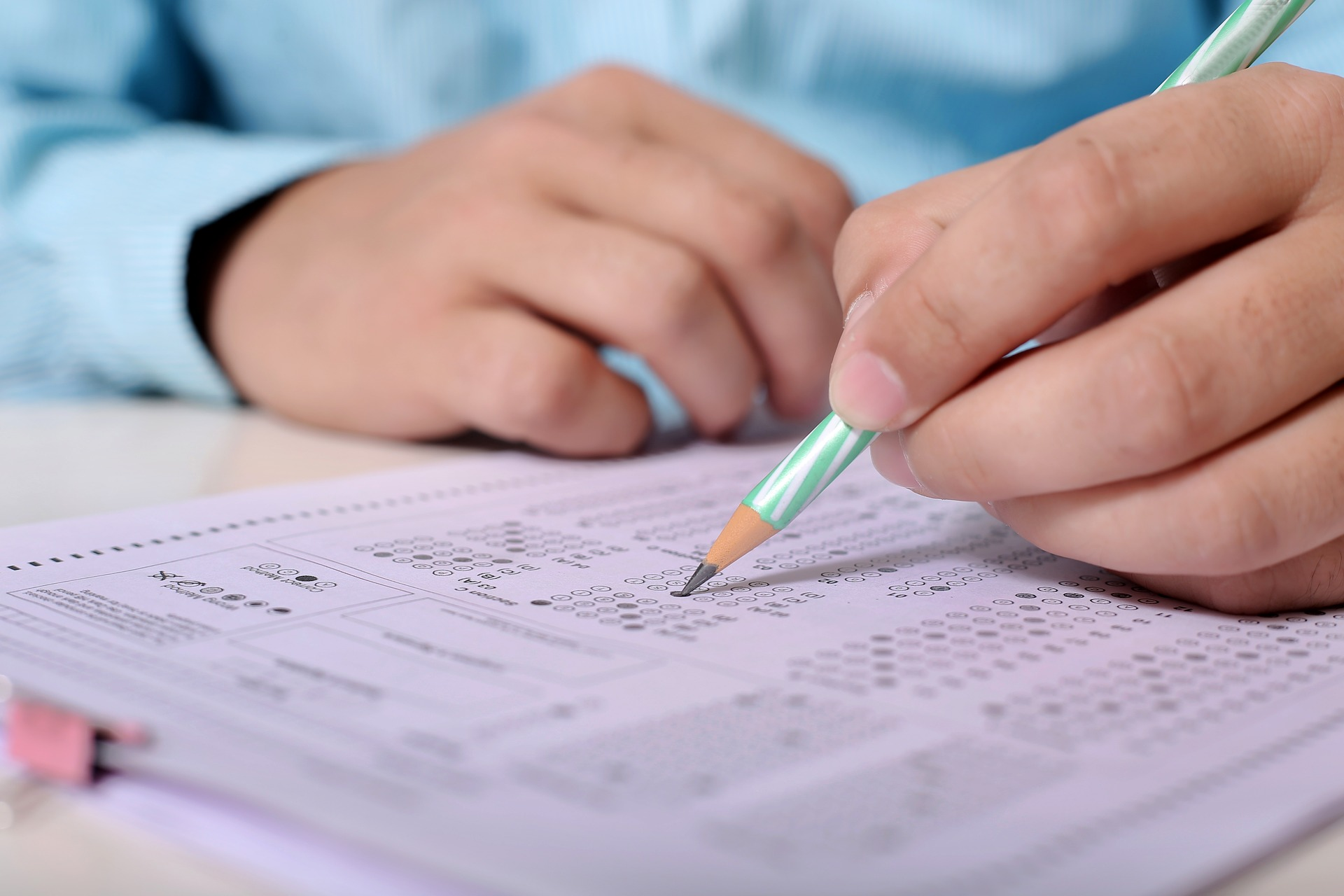 a student taking a multiple choice test
