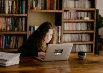student watching online video