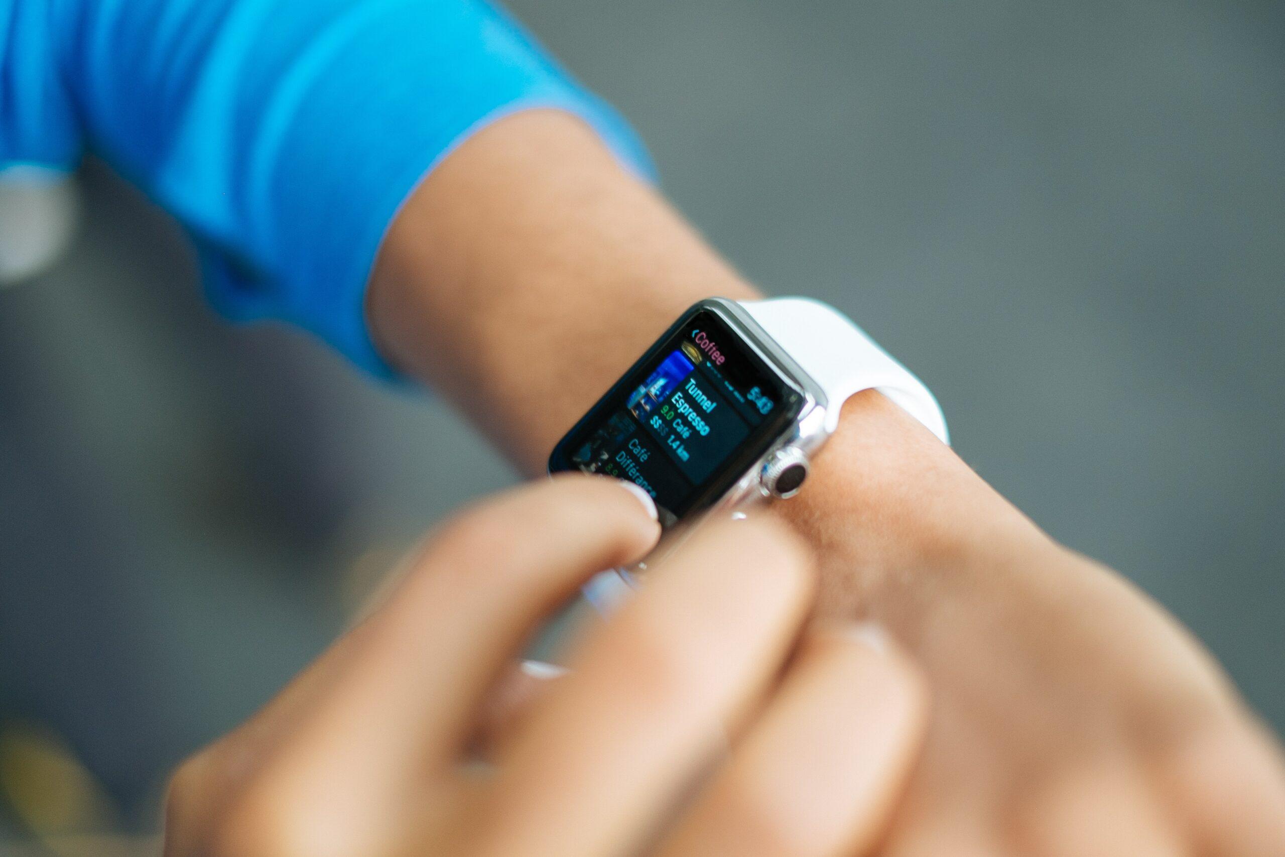 a teachers using an Apple Watch