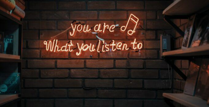 using Bluetooth speakers in listening music